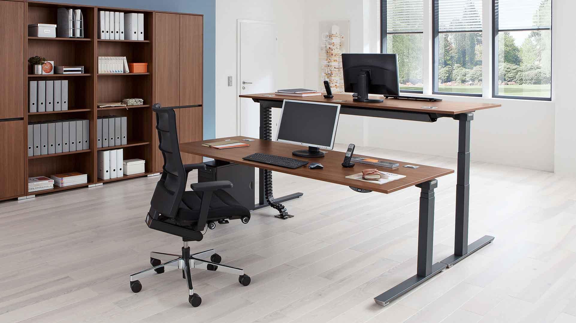 Sta Zit Stoel : Creëer een zit sta werkplek met een elektrisch bureau